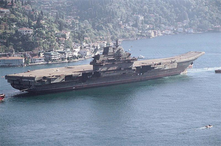 The hulk of the Varyag, the future Liaoning, under tow in Istanbul in 2001.