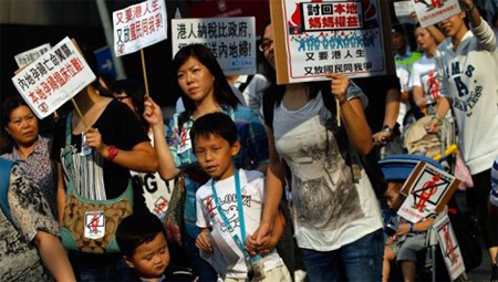 People protest against allowing Mainland mothers to give birth in Hong Kong hospitals