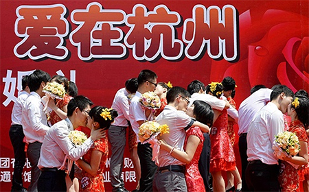 Couples find marital bliss at a mass wedding in Hangzhou, but others may need some help. Enter: Seek-a-Husband training