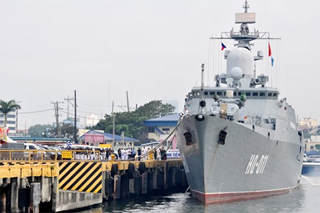 The Vietnamese frigate HQ-011 Dinh Tien Hoang docked at Manila South Harbour.