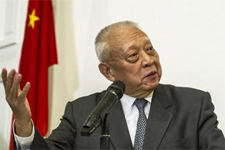 Former Hong Kong Chief Executive Tung Chee-hwa addresses a news conference in Hong Kong September 3, 2014.
