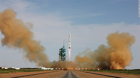 China's Shenzhou-10 Rocket