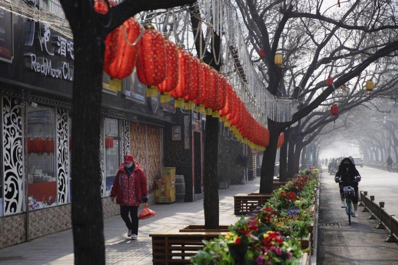 China's coronavirus costs rise as industries remain closed