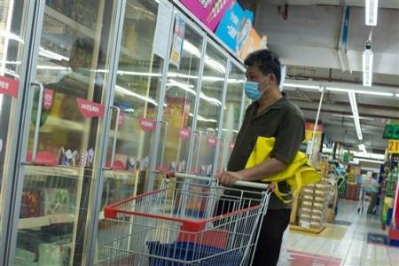 Man Shopping in China
