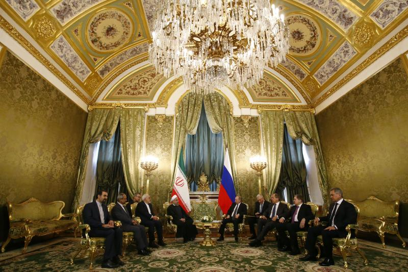 Vladimir Putin with Iranian President Hassan Rouhani
