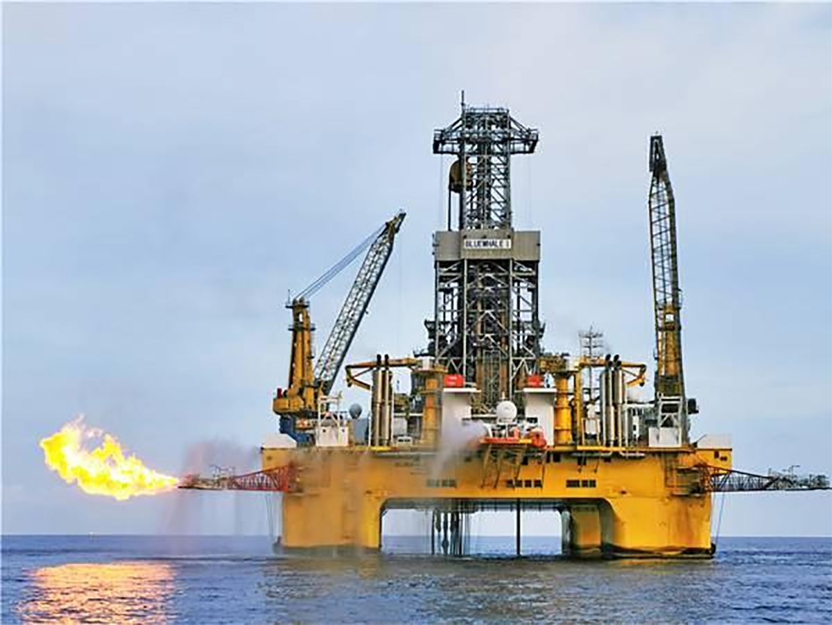 China's first deep-water oil platform ready to set off for South China Sea