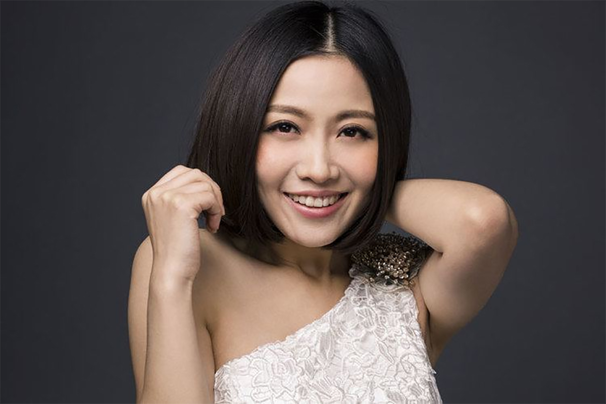 January 16, 2015 – Death of Chinese singer Yao Beina
