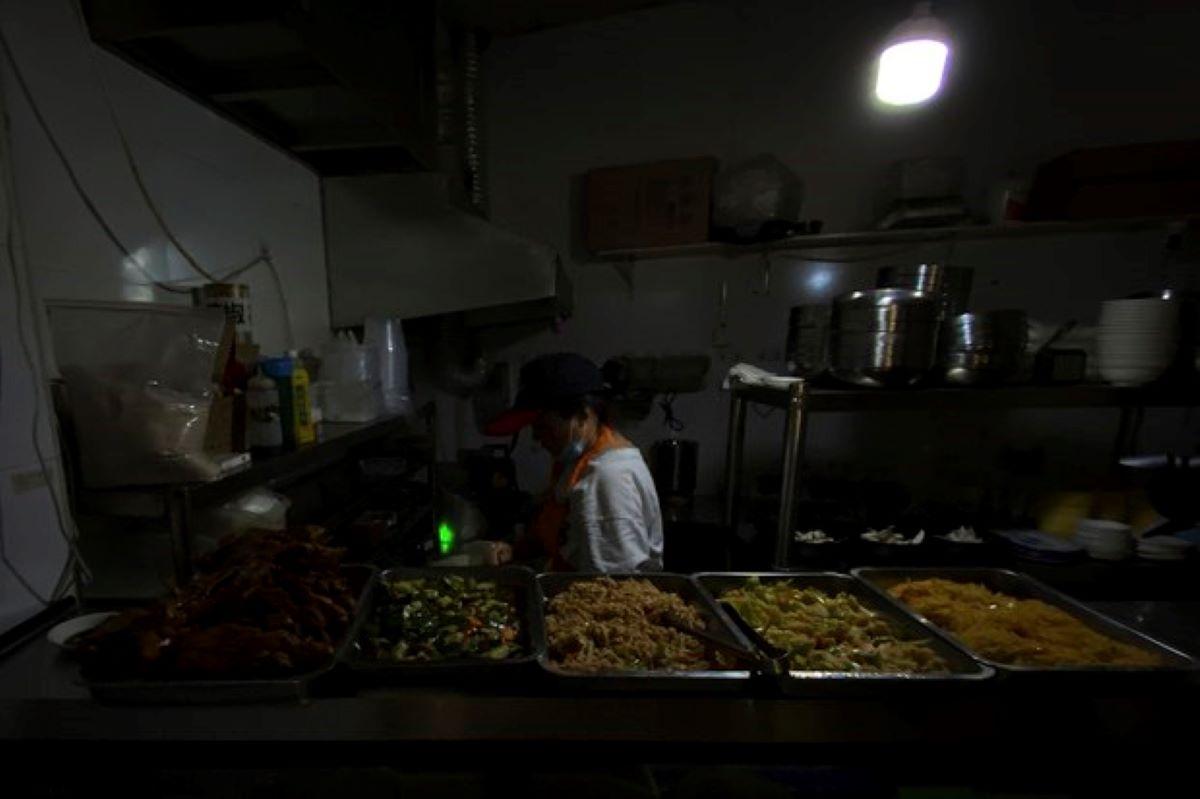 China's blackouts break power cutoff pledge